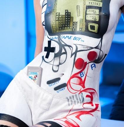 Game Boy Tetris Body-PaintCosplay